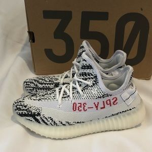 3c5336f77 yeezy adidas Shoes - Yeezy boost 350 v2 Zebra size 5 Youth 6 in womens